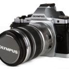Olympus  OM-D EM-5  m/12-50 silfur